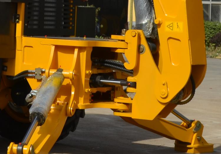 hinge joint and hydraulic pipe protection